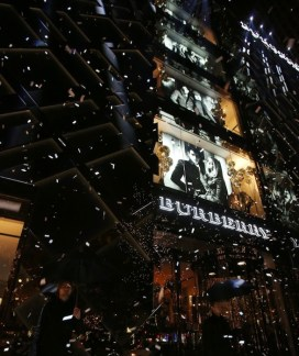 BURBERRY ART OF TRENCH CHICAGO | FashionDailyMag sel 6