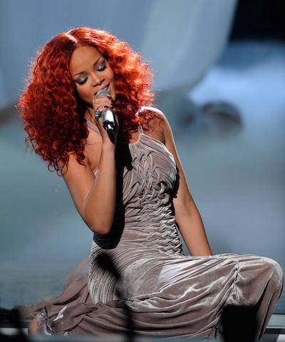 Rihanna-2-wearing-carlos-miele-american-idol-photo-publicist-on-FDM