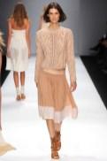 VANESSA BRUNO FashionDailymag sel beige rose sweater