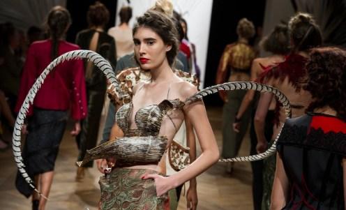 ANTONIO ORTEGA couture fall 2014 FashionDailyMag sel 1