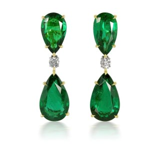 DiamondEnvy 20.74 Carat Natural Emerald and Diamond Earrings in 18K Yellow Gold and Platinum