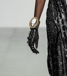 KTZ spring 2015 LFW FashionDailyMag sel 20 glove