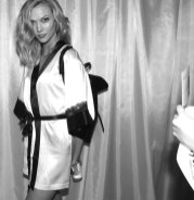 karlie kloss vs fashion show fashiondailymag