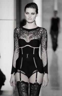 LA PERLA COUTURE SS15 fashiondailymag sel 22