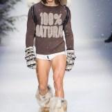 MOSCHINO FALL 2015 LCM FashionDailyMag sel 15