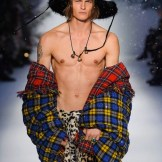 MOSCHINO FALL 2015 LCM FashionDailyMag sel 35