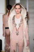 feather LA PERLA COUTURE SS15 fashiondailymag sel 12
