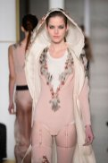 feather LA PERLA COUTURE SS15 fashiondailymag sel 12