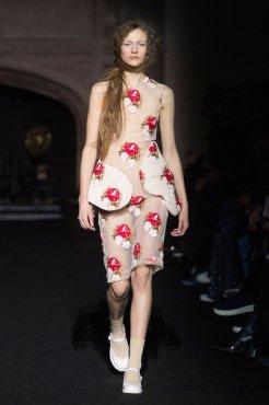 SIMONE ROCHA FALL 2015 fashiondailymag sel 7