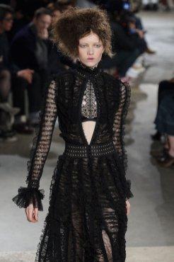 ALEXANDER MCQUEEN fall 2015 FashionDailyMag sel 66