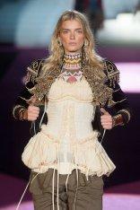 DSquared2 fall 2015 FashionDailyMag sel lily donaldson