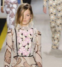 GIAMBATTISTA VALLI fall 2015 FashionDailyMag sel 48