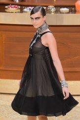 chanel fall 2015 fashiondailymag sel 19 cara delevingne