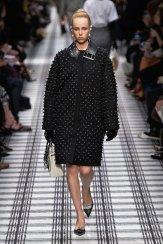 edie campbell BALENCIAGA fall 2015 fashiondailymag sel 1