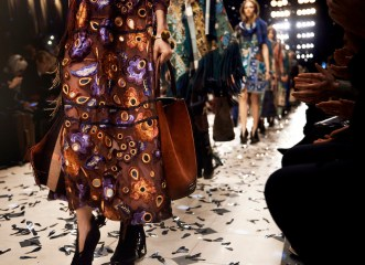 Burberry Floral FashionDailyMag 7