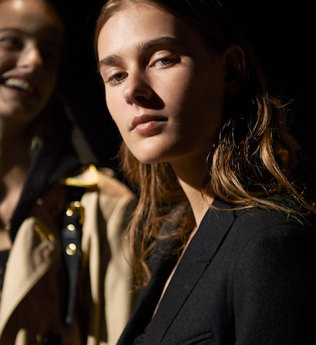 burberry backstage ss16 fashiondailymag 7