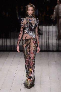 ALEXANDER McQUEEN fw16 LFW FashionDailyMag 5