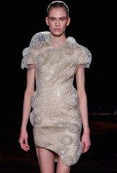 iris van herpen fw16 fwp FashionDailyMag details