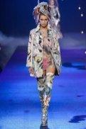 bella-hadid-marc-jacobs-ss17-fwp-fashiondailymag-28