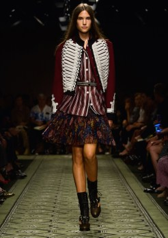 burberry-september-2016-collection-look-20