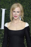 ELLE's Annual Women In Television Celebration 2017 fashiondailymag 7