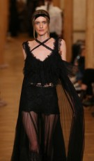 Desinger_ozlem_suer_mbfwi fashiondailymag
