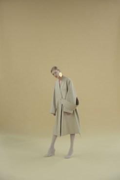 andrea jiapei li fw17 fashiondailymag `7