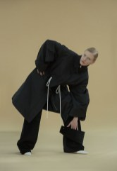 andrea jiapei li fw17 fashiondailymag `8