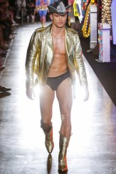 MOSCHINO resort 18 Jeremy Scott FWP x FashionDailyMag 37