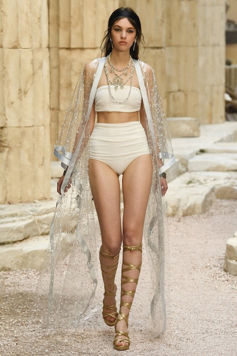 chanel resort 2018 fashiondailymag 31