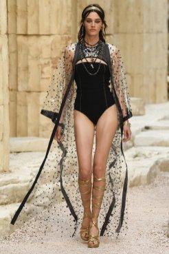 chanel resort 2018 fashiondailymag 32
