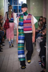 Burberry September 2017 Collection - Look 29