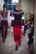 Burberry September 2017 Collection - Look 49