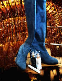 SILL STANDING IN HEELS HOLIDAY PH BRIGITTE SEGURA fashiondailymag 2018