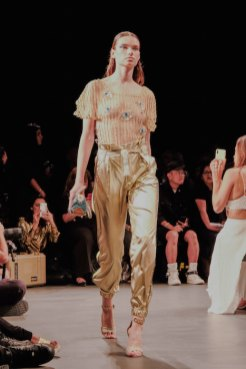 Custo Barcelona SS2020 nyfw FashionDailyMag Brigitteseguracurator ph Tobias Bui3441