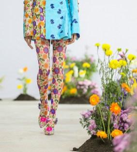 SHUTINGQIU_SS20_Look1 b SHANGHAI RUNWAY faves FashionDailyMag Brigitteseguracurator