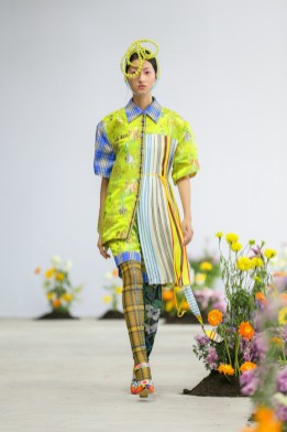 SHUTINGQIU_SS20_Look2 SHANGHAI RUNWAY faves FashionDailyMag Brigitteseguracurator 2 12