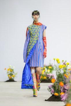 SHUTINGQIU_SS20_Look2 SHANGHAI RUNWAY faves FashionDailyMag Brigitteseguracurator 2 18