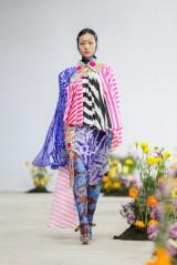 SHUTINGQIU_SS20_Look2 SHANGHAI RUNWAY faves FashionDailyMag Brigitteseguracurator 2 7
