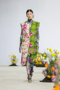 SHUTINGQIU_SS20_Look2 SHANGHAI RUNWAY faves FashionDailyMag Brigitteseguracurator 2 55
