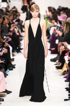 Valentino_81_is5_1537 fall 2020 paris fashion week photo Imaxtree FASHIONDAILYMAG brigitteseguracurator