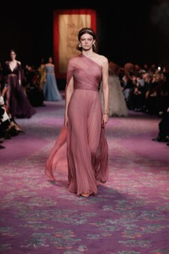 DIOR HC STAY INSPIRED // STAY PINK: FASHION vol 3 stay home edition