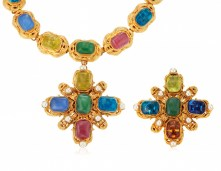 LOT 2_CHANEL GRIPOIX GLASS NECKLACE AND BROOCHJEWEL HAPPY FASHIONDAILYMAG brigitteseguracurator