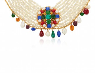 LOT 7_CHANEL FAUX PEARL AND GRIPOIX GLASS CHOKER NECKLACEJEWEL HAPPY FASHIONDAILYMAG brigitteseguracurator