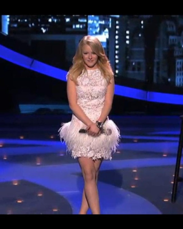 Hollie Cavanagh performs on American Idol wearing Jovani