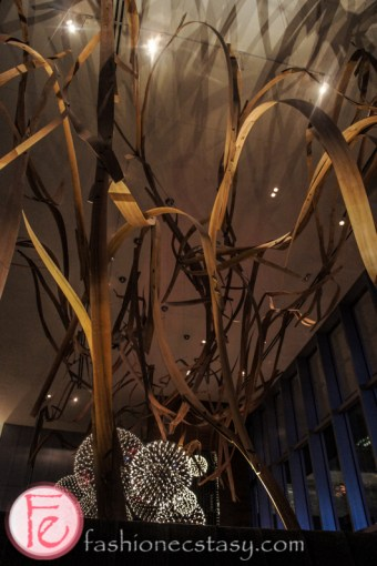 wood sculpture by Dennis Lin