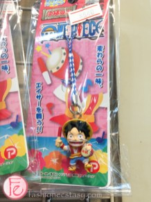 Okinawa special edition 'One Piece' cellphone strap