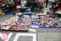 Namdaemun Market street vendors