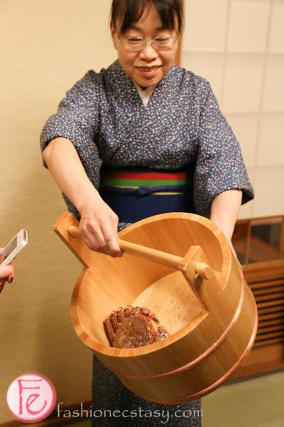 Travel - Hokkaido Sapporo hyosetsu no mon crab restaurant