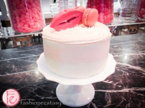 Sophisticated Sweet Tooth – Petite & Sweet cake